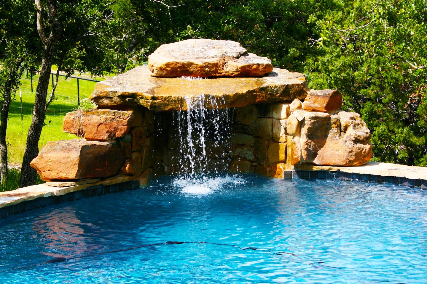 image - Swimming Pools With Grottos